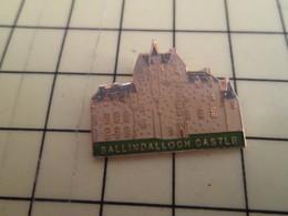 Pin712c Pin's Pins / Beau Et Rare : THEME VILLES / ECOSSE BALLINDALLOCH CASTLE - Städte
