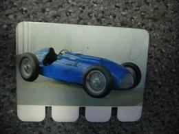 N° 21 - PLAQUE METAL En TALBOT LAGO 6 Cylindres En Ligne De 1949 - AUTOMOBILE COOP Des Années 60 - Plaques Publicitaires