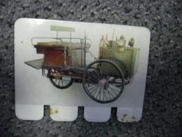 N° 17 - PLAQUE METAL En TOLE - DE DION BOUTON De 1887 Tricycle à Vapeur - AUTOMOBILE COOP Des Années 60 - Plaques En Tôle (après 1960)