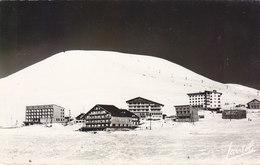 ALPE D HUEZ: CPSM P.F.DE 1957 GROUPE DES HOTELS.ASSEZ RARE.B.ETAT.PETIT PRIX COMPAREZ!!! - France