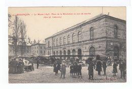 Besançon. Le Musée (1843). Place De La Révolution Un Jour De Marché. (2886) - Besancon