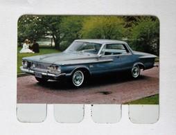 Plaque Métal Voiture Plymouth Fury 1962 L'auto à Travers Les âges COOP 1964 - Automotive