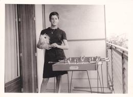 Photo ,lyon,hiver 1966,pollux Et Babbyfoot,à L'ancienne,l'amour Du Football à La Maison, - Cartes Postales