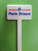 033 - Touilleur - Agitateur - Mélangeur à Boisson - Marie Brizard - Cap Brizard - Swizzle Sticks
