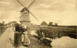 115, Molenzicht Volendam. Moulin à Vent Et Barque. - Windmills