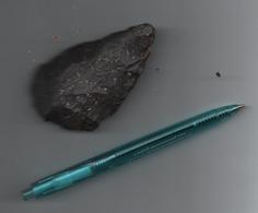 BOX0041 Hache Préhistorique Noire - Archaeology
