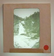Plaque De Verre Positive Sous Carton - Cauterets - Pont D'Espagne - La Cascade - Glass Slides
