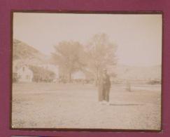 250518 - PHOTO 1905 - MONTENEGRO NIEGOCH Sur La Place - Montenegro