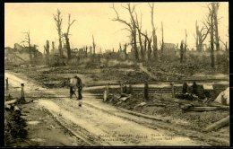 CP    Ruines De Dixmude  --  Route D'Eessen  --  Animé - Guerre 1914-18