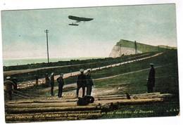 CPA Aviation Les Pioniers, Traversée De La Manche, L'Aéroplane Blériot En Vue Des Côtes De Douvres (pk44685) - Aviadores