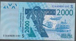 W.A.S. LETTER S GUINEA BISSAU  P916Si ? 2000 FRANCS (20)11  2011 UNC. - Guinea-Bissau