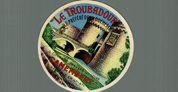 ETIQUETTE CAMEMBERT LE TROUBADOUR MAUVES SUR LOIRE - Cheese