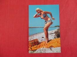 Pin-Ups Florida Is  Well Known Of Sun Fun & Beauty       Ref 2966 - Pin-Ups