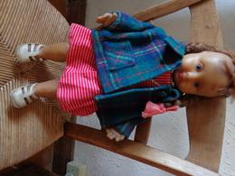 Poupee LAFLEX Avec Sa Tenue D'origine-manteau Et Bijoux En Plus-hauteur 38cm Environ-poids 965g - Dolls