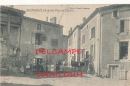 07 // ROIFFIEUX   Place De L'église - France
