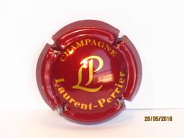 Capsules Ou Plaques De Muselet CHAMPAGNE LAURENT PERRIER FOND VIOLET Plus CLAIR - Laurent-Perrier