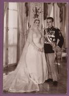 Photographie Officielle Du Mariage De L.L.A.A.S.S. Le Prince Rainier III De Monaco Et La Princesse Grace Patricia - Familles Royales