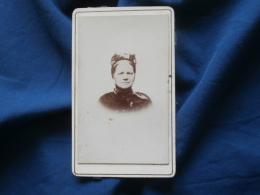 Photo CDV Sans Mention Photographe  Portrait Femme  Coiffe - CA 1895 - L381 - Photographs