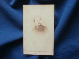 Photo CDV  Janicot Rue St André Des Arts Paris  Portrait Homme (Heyman ?) - Sec. Empire - CA 1865 - L381 - Photographs