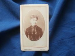 Photo CDV  Van Den Bosch à Bordeaux  Portrait Femme  Robe En Velours - CA 1880 - L382 - Photographs