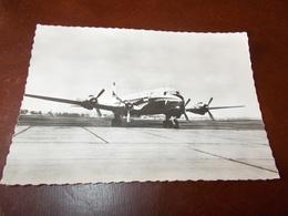 B689  Aereo D.C.6 Non Viaggiata Presenza Piega Ad Angolo - Avions
