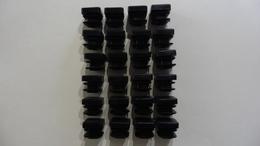 26 Embouts Carrés  En Plastique Pour  6 Chaises Ou  6 Tables - Tools