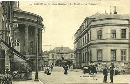 08 Ardennes SEDAN La Place Goulden Le Théatre Et Le Tribunal Animée - Sedan