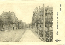 08 Ardennes SEDAN  Rue Thiers Animée - Sedan