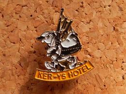 Pin's - KER-YS HOTEL - PERROS-GUIREC - Côtes-d'Armor - Villes