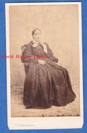 Photo Ancienne CDV Vers 1865 - CHALONS Sur MARNE - Portrait De Dame - Photographe J. A. LEPARMENTIER - Coiffe Mode Robe - Foto