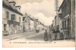 VAUX SUR SEINE   Bureau Des Postes Et La Grande Rue - France