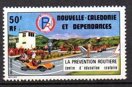 1/ Colonies Française Nouvelle Caledonie PA  N° 177  Neuf  XX   MNH  , Cote : 3,50 € - Unused Stamps