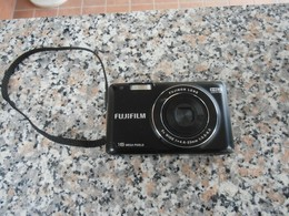 FujiFilm 16 Mega Pixels - Macchine Fotografiche