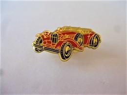 PINS AUTOMOBILE CABRIOLET  ROUGE / 33NAT - Badges