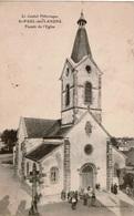 Cpa 15 St-PAUL-des-LANDES   Façade De L'Eglise , Animée :Mr Le Curé Et Ses Ouailles , Peu Courante - Other Municipalities