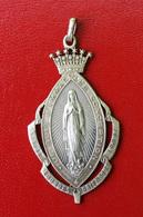 """Très Beau Pendentif Médaille Religieuse """"Reine Du Très Saint Rosaire - Lourdes"""" Religious Medal - Religión & Esoterismo"""