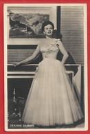 CA.- DEANNE DURBIN. Edna Mae Durbin. Echte Foto. - S. & V.H. A.. - M.P.E.A. Trouwjurk. - Acteurs