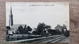 CPA DONGES L EGLISE Et La GARE 44 Loire Inférieure Atlantique Train - Otros Municipios