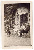 """Carte-photo - Des Amis Se Restaurent Au """" Pavillon Du Petit Lait """" - Luchon ? - Cafés"""