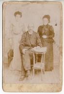 """Photo Ancienne De Famille -couple Et Fille Avec Un Corset Très Ajusté - Ph Galzin Millau - Journal """" Le Petit Pélerin """" - Photos"""