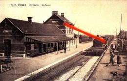 HEIDE - De Statie - La Gare - Carte Très Animée Avec Locomotive Au Quai, Circulée En 1928 - Kalmthout