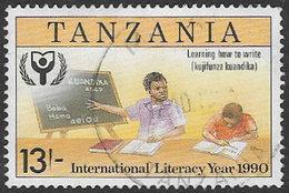 Tanzania SG906 1991 International Literacy Year (2nd Issue) 13/- Good/fine Used [37/30854/2D] - Tanzania (1964-...)