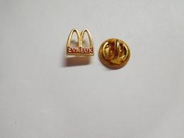 Beau Pin's , McDonald's Evreux , Eure , En EGF - McDonald's