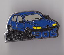 PIN'S   THEME AUTOMOBILE  PEUGEOT  306  CONCESSION  CHATEAU - Peugeot