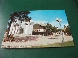 FRANCOBOLLO COMMEMORATIVO BULGARIA BANSKO LE MONUMENT DE PAISSIL HILENDARSKI SCULPTEUR ST.TODOROV - Bulgaria
