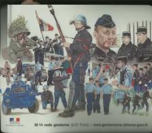 TAPIS DE SOURIS ( Neuf) Pour Ordinateur GENDARMERIE SIGNE ROBIN..GROUPE D INTERVENTION NEUF - Militaria
