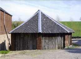 REMERSDAAL - Voeren (Limburg) - Molen/moulin - Rosmolen Of Manege Van Kasteelhoeve 'Het Huys' - Voeren