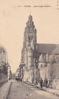 37 TOURS. CPA .RARETE. ANIMATION RUE JULES SIMON ANNÉE 1910. ENVOYE A : Mme..... MERCIÈRE RUE BOISDENIER - Tours