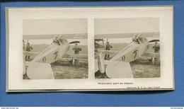 Carte Photo Vues Stereoscopiques  Guerre 14-18 Aviation Avion Aviateur Guynemer Part En Chasse Editions S.T.L - Photos Stéréoscopiques