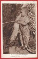 NL.- Jongen Met Tuinslang. Zie Eens, Hoe Die Kleine Man. Met Tuinslang Werken Kan. 1939. - Taferelen En Landschappen